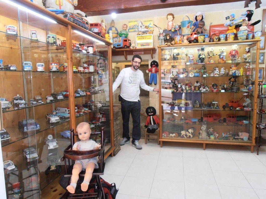 interior museo juguetes malta