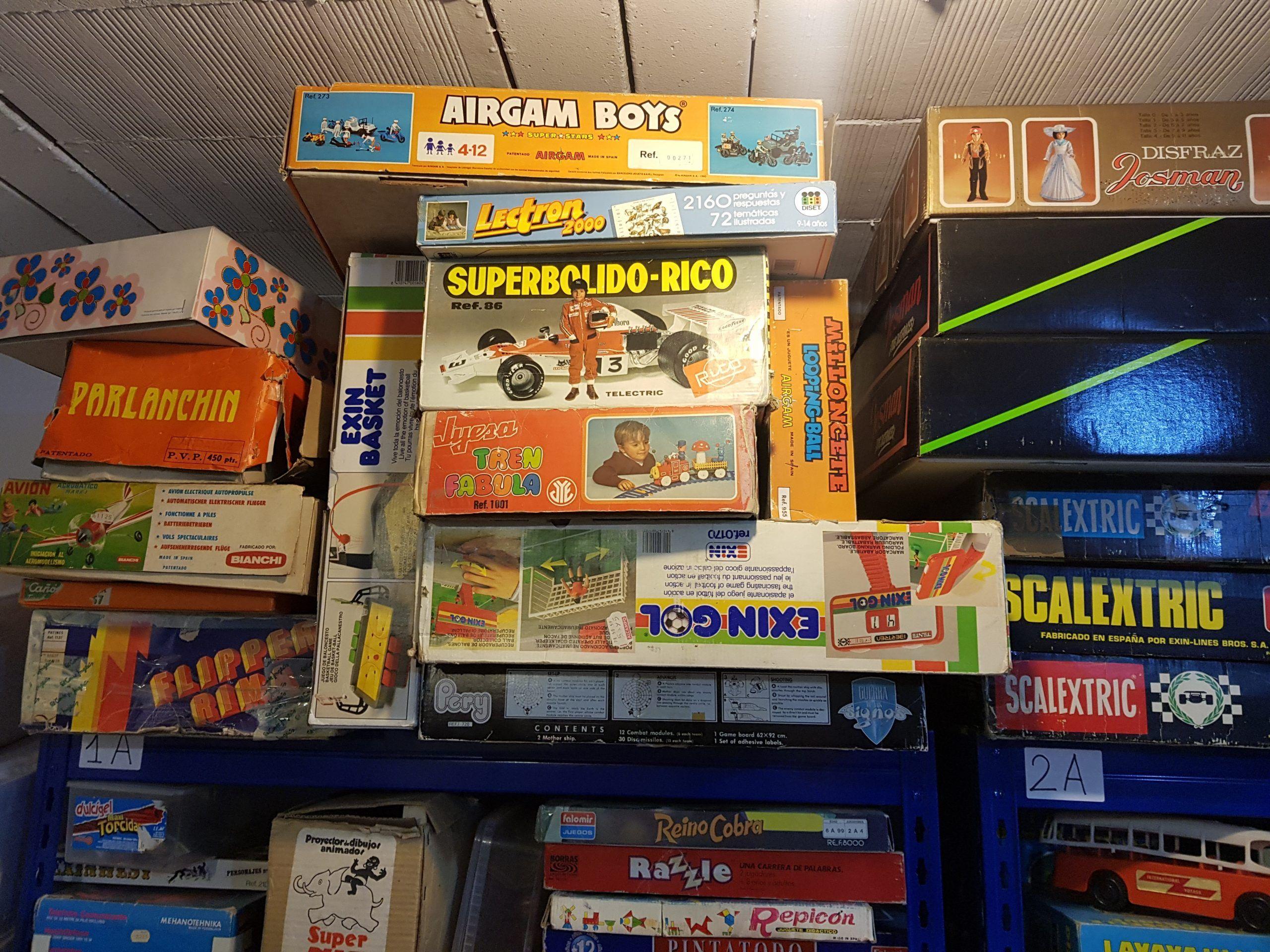 juegos de mesa almacenados